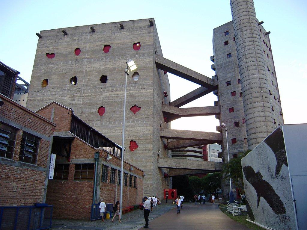 famosos-arquitetos-brasileiros-lina-bo-bardi-sesc-pompeia