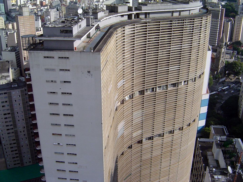 famosos-arquitetos-brasileiros-oscar-niemeyer-copan