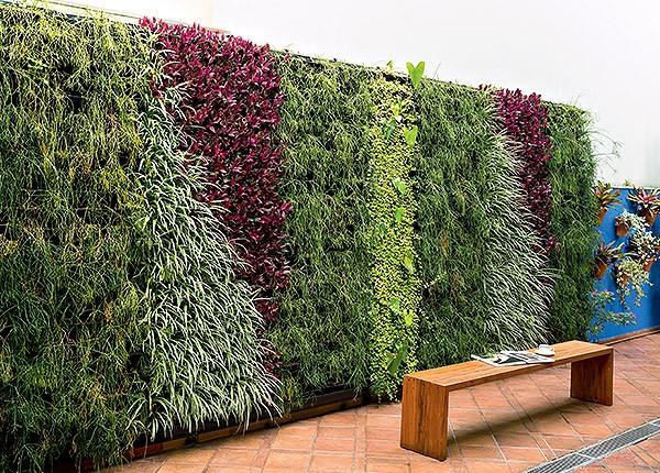 tendencias-europeias-em-jardins-verticais-natural-com-mantas