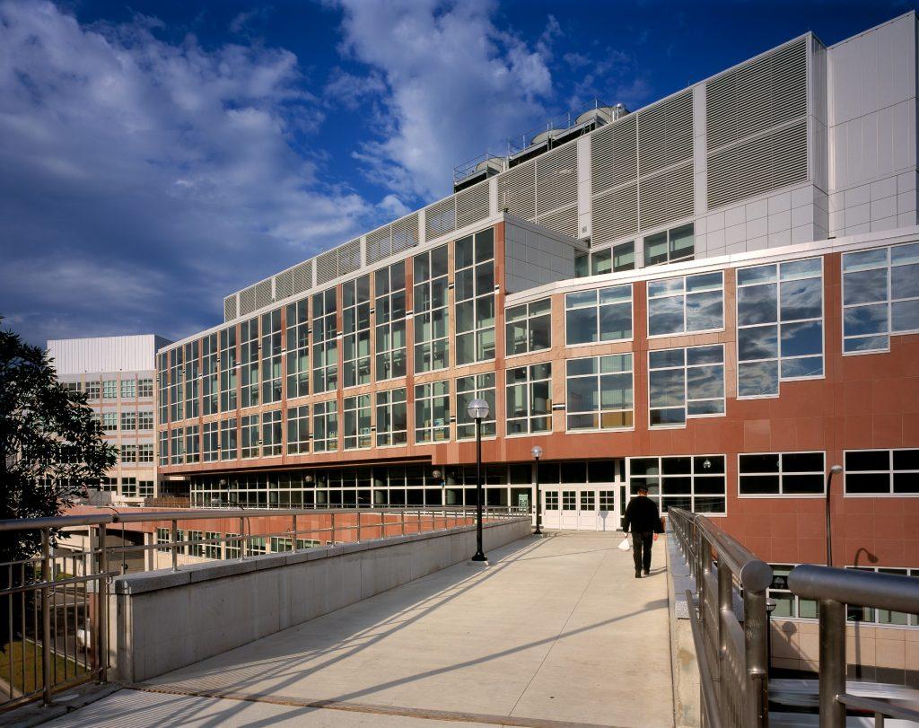 arquitetas-famosas-denise-scott-brown-complexo-universitario-palmer-commons
