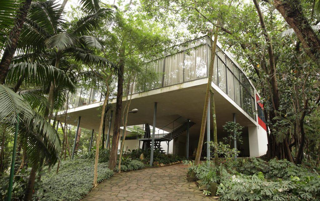 arquitetas-famosas-lina-bo-bardi-casa-de-vidro