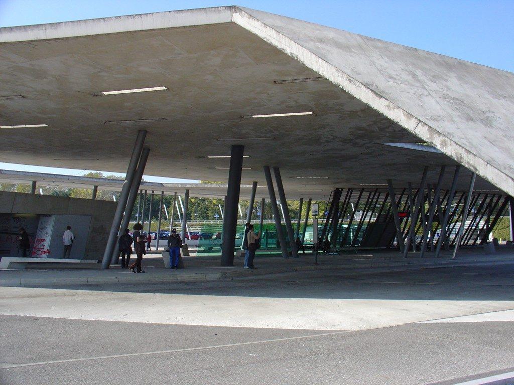 arquitetas-famosas-zaha-hadid-terminal-hoenheim-north-e-estacionamento