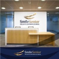 SmileSenior Implantes Dentários do Brasil, Logo e Identidade, Saúde & Nutrição