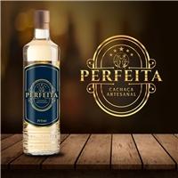 PERFEITA / Cachaça Artesanal, Logo e Identidade, Alimentos & Bebidas