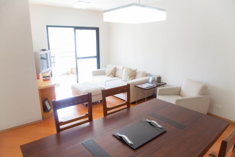 Apartamento à venda com 4 quartos e 90m² em Vila Madalena por R$850.000