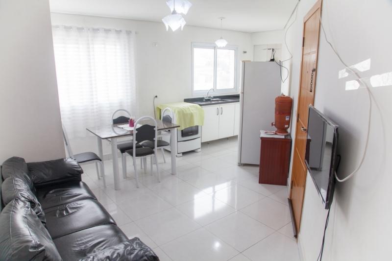 Apartamento à venda com 2 quartos e 60m² em Vila Gilda por R$195.000