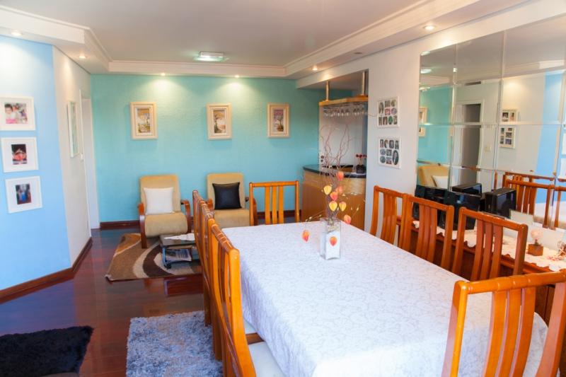 Apartamento à venda com 4 quartos e 149m² em Vila Bastos por R$750.000
