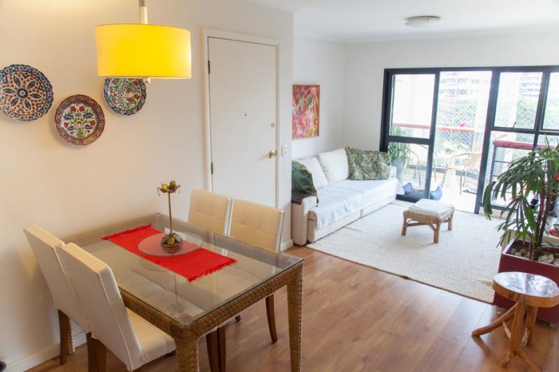 Apartamento à venda com 3 quartos e 80m² em Vila Madalena por R$915.000