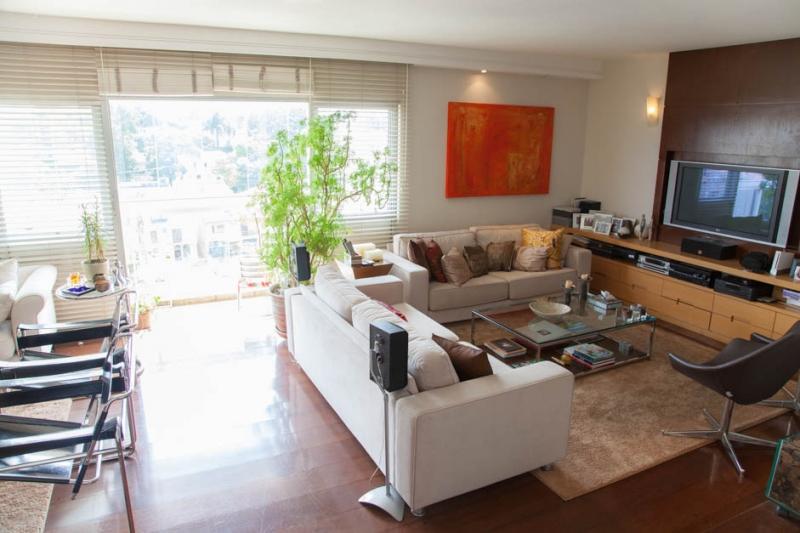 Apartamento à venda com 4 quartos e 208m² em Jardim Prudência por R$1.500.000