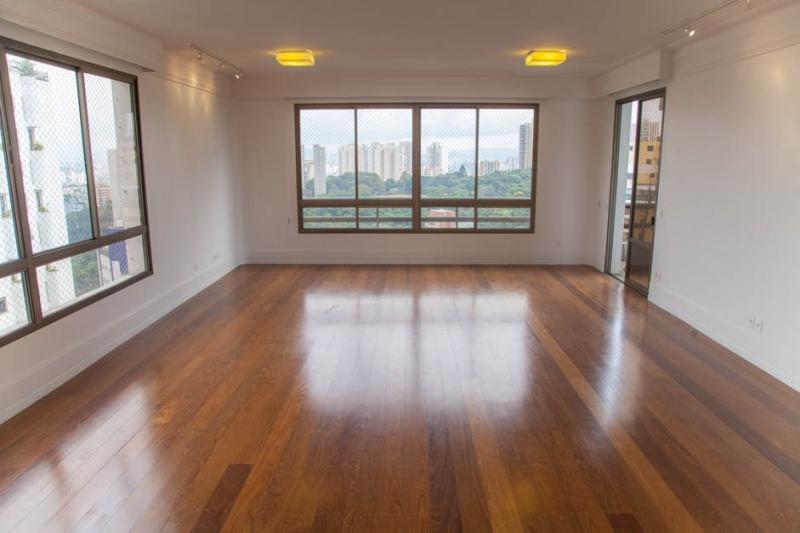 Apartamento à venda com 4 quartos e 425m² em Vila Andrade por R$2.100.000