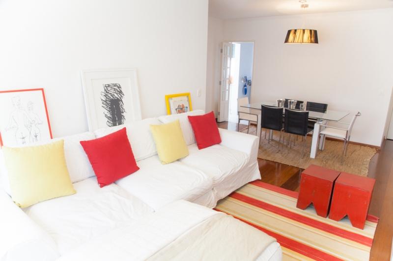 Apartamento à venda com 2 quartos e 90m² em Cerqueira César por R$795.000