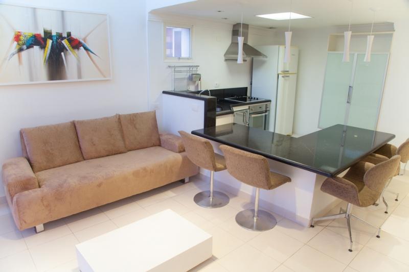 Apartamento à venda com 1 quartos e 60m² em Vila Nova Conceição por R$799.000