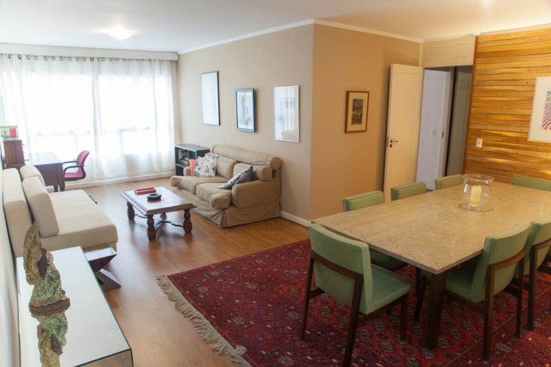 Apartamento para alugar com 3 quartos e 130m² em Jardins por R$3.200