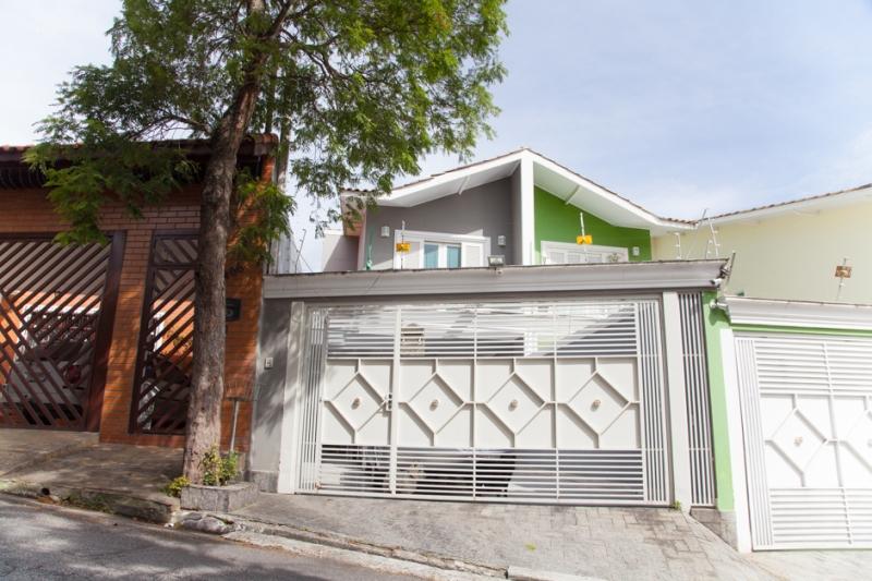 Sobrado à venda com 3 quartos e 178m² em Jardim Peri Peri por R$800.000