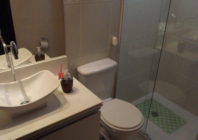 Cobertura Jardim das Vertentes direto com proprietário - Paulo - 635x447_421567145-banheiro-social.jpg