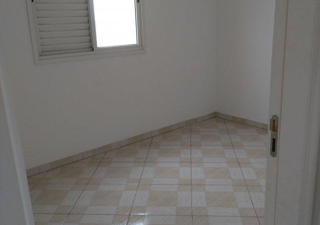 Apartamento Piraporinha direto com proprietário - Valdirene - 635x447_1379453045-11-vista-dorm.jpg