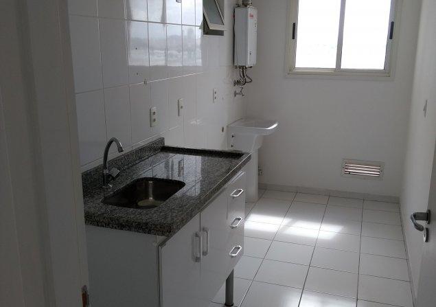 Apartamento Piraporinha direto com proprietário - Valdirene - 635x447_311876296-4-vista-da-cozinha-e-area-de-servico.jpg