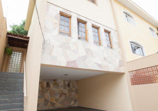 Sobrado à venda em Vila Galvão por R$599.000