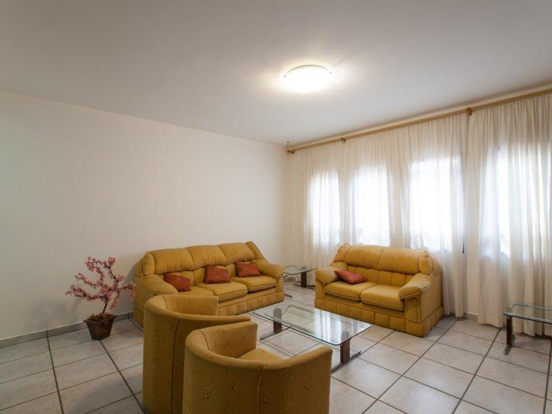 Sobrado à venda Vila Galvão com 191m² e 3 quartos por R$ 599.000 - 618009159-img-8946.jpg