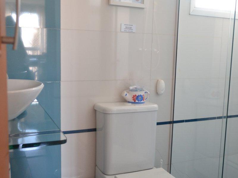 800x600_2051100595-lavabo.JPG