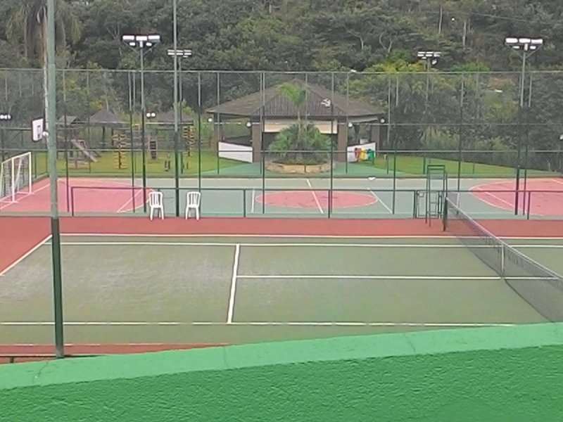 800x600_1845179105-quadras-poli-e-tenis.jpg