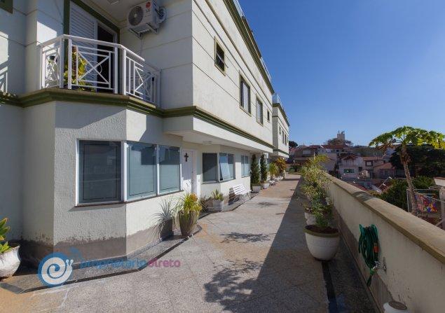 Casa de condomínio à venda em Mandaqui por R$800.000
