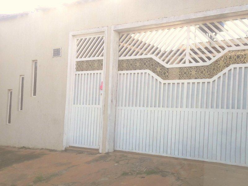 Casa à venda Centro com 140m² e 2 quartos por R$ 170.000 - 1585221755-20190612-200306.jpg