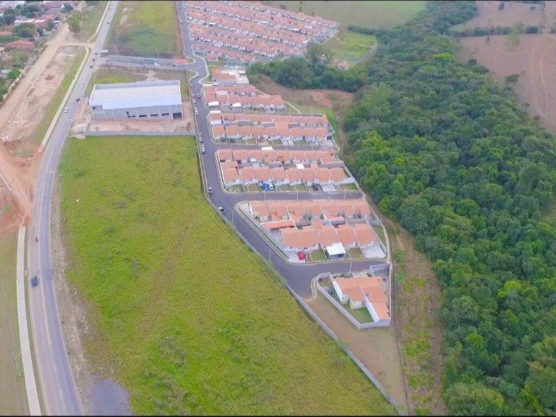 Casa de condomínio à venda Centro com 140m² e 2 quartos por R$ 179.000 - 297984169-ff40672f-b41c-4443-9b29-029b2d6869bc.jpeg