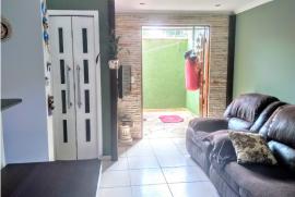 Casa de condomínio à venda Jardim Barbacena, Cotia - 217575595-sala-com-integracao-fundos.png