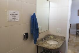 Apartamento para alugar Ipanema, Rio de Janeiro - 1466933727-banheiro-1.JPG