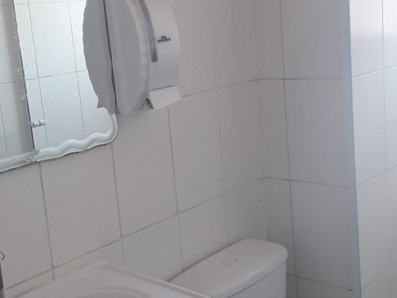 Apartamento à venda Portal dos Ipês II com 45m² e 2 quartos por R$ 190.000 - 474344301-banheiro-2.jpg
