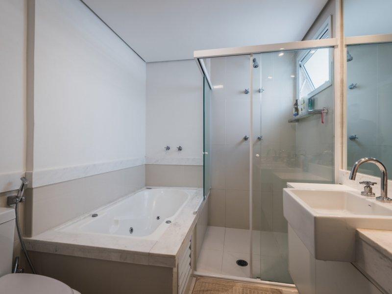 Apartamento à venda Morumbi com 178m² e 3 quartos por R$ 1.750.000 - 53108695-banheiro-1.jpg