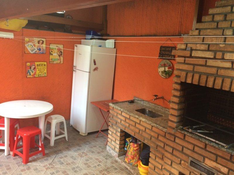 Casa à venda Vila Augusta com 157m² e 3 quartos por R$ 620.000 - 1033052353-churrasqueira-1.jpg