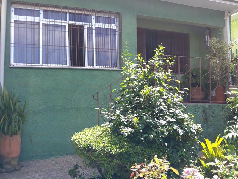 Casa à venda Parque Jabaquara com 141m² e 2 quartos por R$ 450.000 - 371663687-quintal-1.jpg