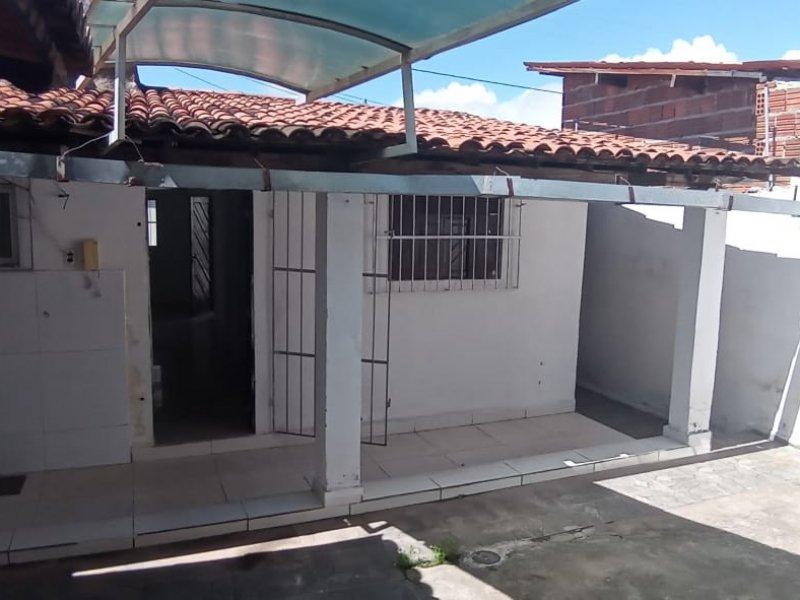 Casa à venda Pajuçara com 140m² e 1 quarto por R$ 100.000 - 2014504219-area-de-servico-202103171.jpg