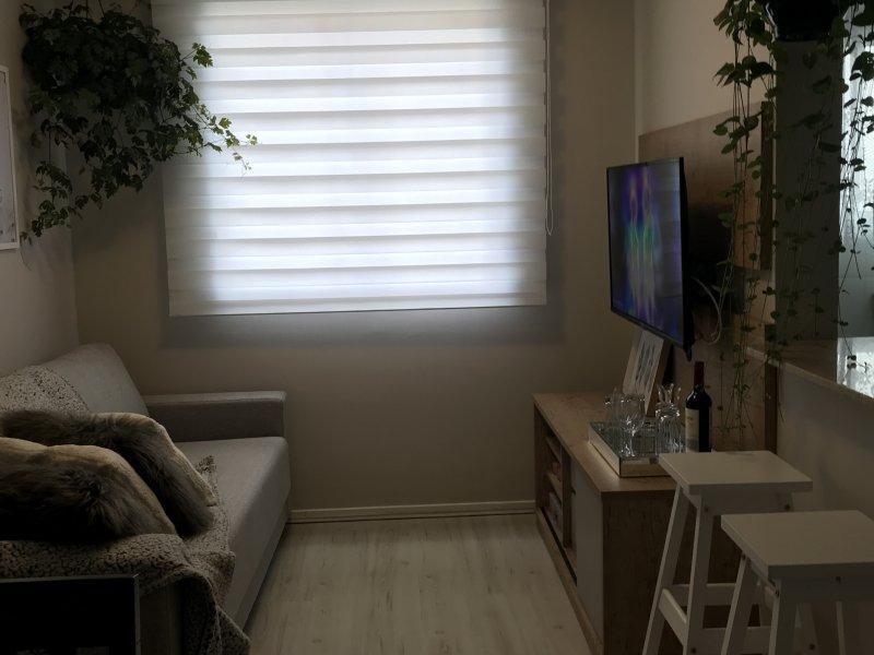 Apartamento à venda Capão Raso com 47m² e 2 quartos por R$ 220.000 - 2089551974-sala-2.JPG