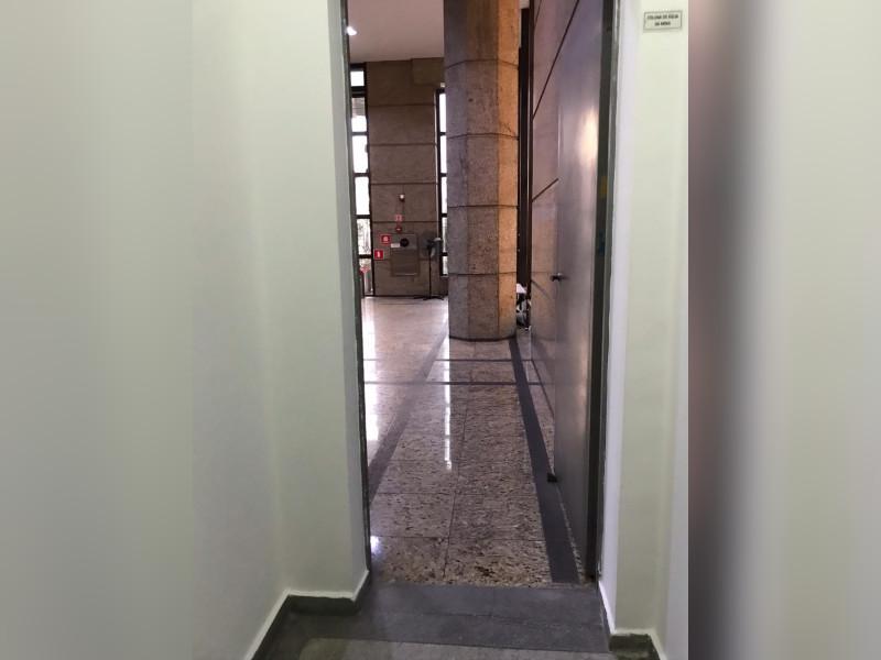 Comercial à venda Vila Mariana com 78m² e 1 quarto por R$ 640.000 - photo-2021-03-16-10-06-14.jpg