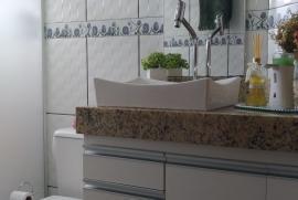 1285460285-banheiro-suite.jpeg