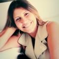 Stella, que procura negociar um imóvel em Granja Viana, Granja Viana II, Granja Viana. MIOLO, Cotia, em torno de R$ 600.000