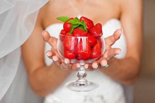 Dicas do que evitar e o que comer antes e no dia do casamento