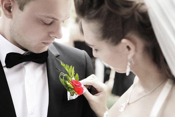 Flor na lapela e noivo mais bonito!