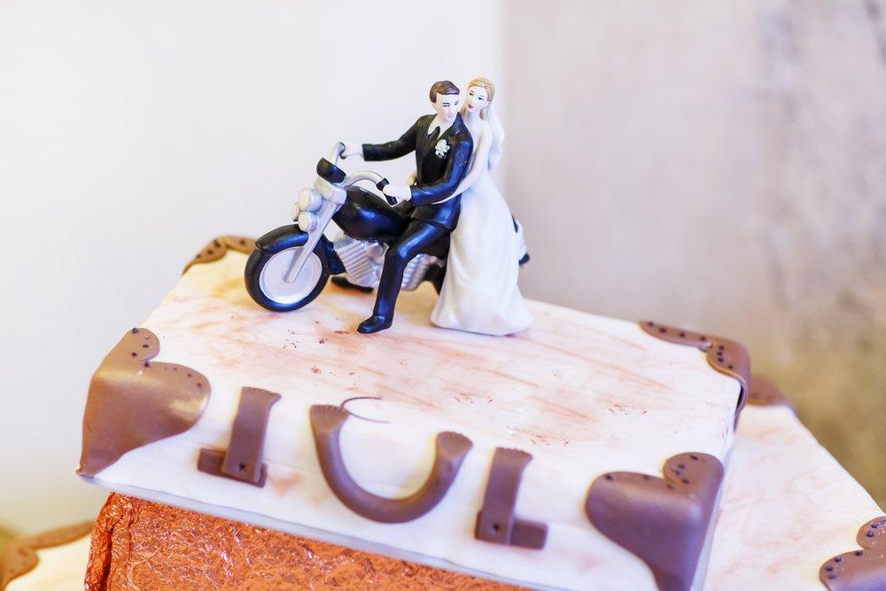 topo de bolo com moto