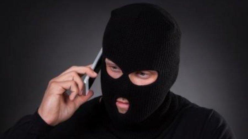 Adolescente cai no golpe pelo telefone em Manhumirim