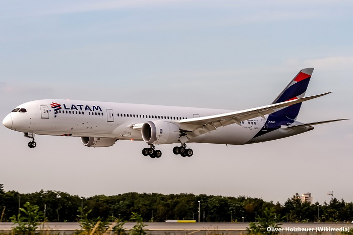 Avión de LATAM en Frankfurt. Foto: Oliver