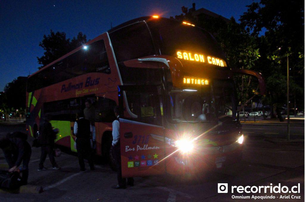 Pullman Bus en Omnium Apoquindo (Las Condes)