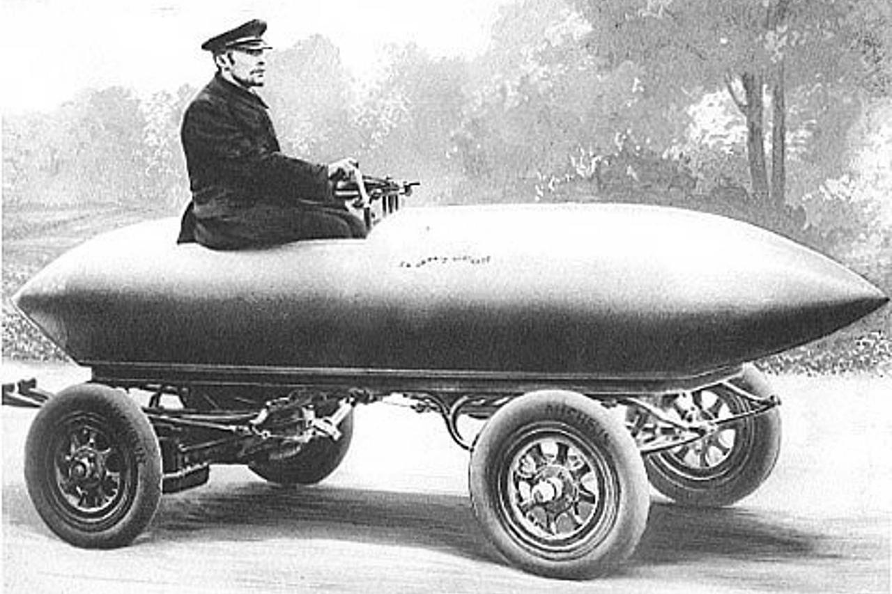 Será que fabricantes focados no prazer de dirigir, como Porsche e BMW, vão conseguir aderir à mobilidade elétrica sem perder sua alma?