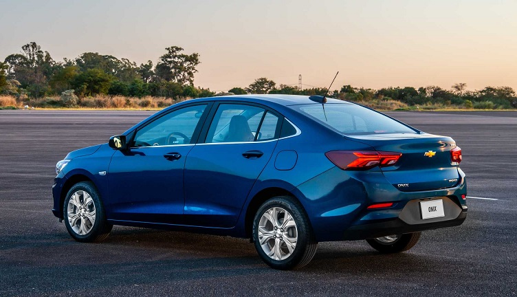 Chevrolet Onix Sedan se sobressai em quase todos os quesitos, mas perde no desempenho. para o HB20 Sedan 2020.