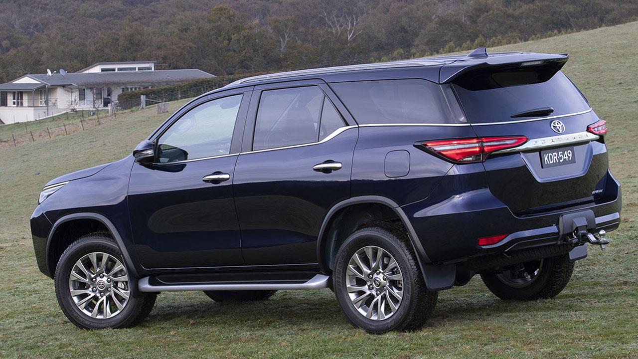 SUV da Hilux chega ao mercado de cara e motor novo, mas sem nenhuma versão flex - pelo menos por enquanto