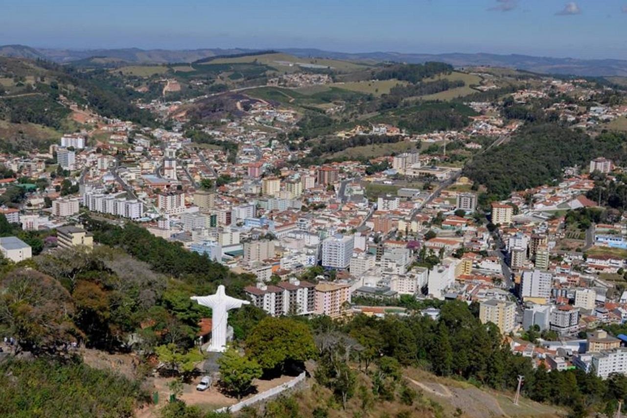 Praia ou cachoeira? Cinco destinos próximos a São Paulo para passar o feriado.