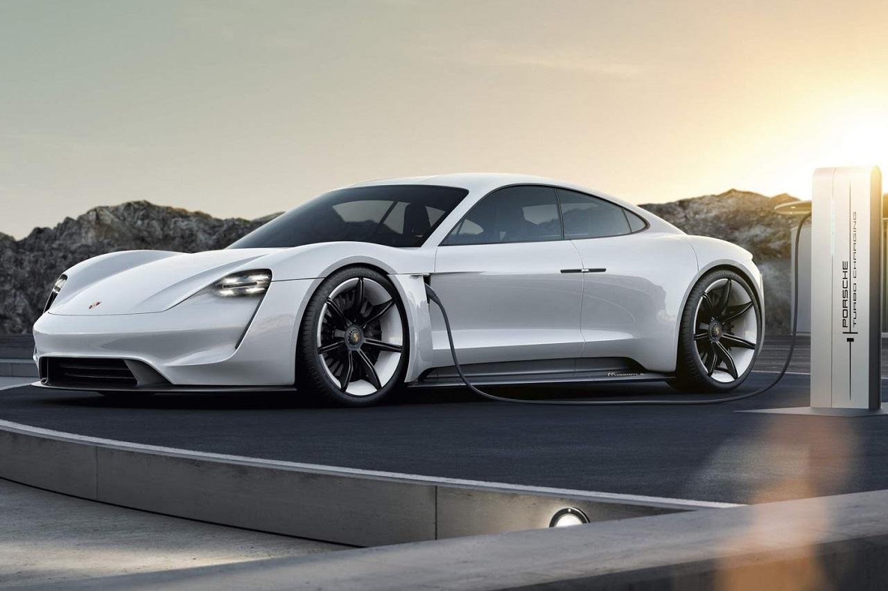 Depois do Audi E-tron liderar o segmento em 2020, quem acelera o mercado de elétricos este ano é o Porsche Taycan